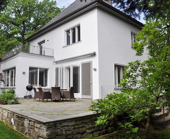 Claudia pleyer immobilien portfolio german for Klassisches einfamilienhaus